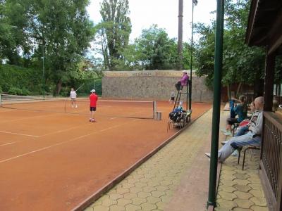 До Чернівців на тенісні змагання приїхали діти з окупованого Донецька
