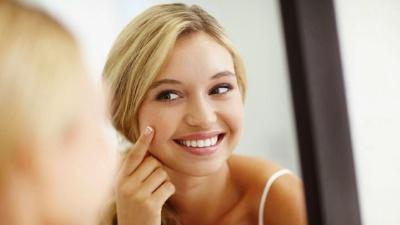 Як доглядати за жирною шкірою в теплу пору року