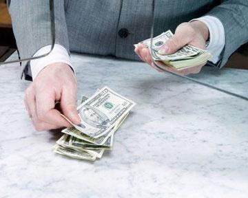 Банкам дозволили не повертати депозити достороково