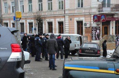 Одну з підозрюваних у розчленуванні трупа в Чернівцях відпустили додому