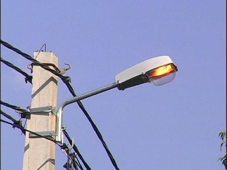 Установка энергосберегающих ламп уличного освещения