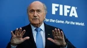 Блаттер заявив, що не подавав у відставку з поста президента ФІФА