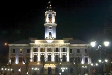 У Чернівцях замінять вуличне освітлення на чотири мільйони