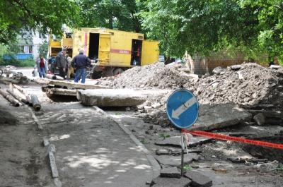 У Чернівцях ремонтують дороги — мер обіцяє, що халтури не буде