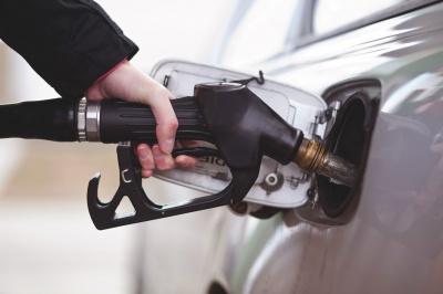 Мінекономрозвитку скасувало обов'язкову сертифікацію бензину та дизпалива
