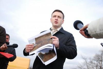 Депутата Чернівецької міськради Бешлея просять показати прописку