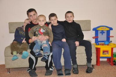 Ще семеро дітей знайшли родину завдяки газеті «Молодий буковинець»