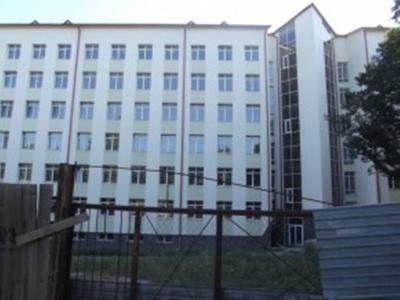Нардеп Бурбак попросив у Яценюка грошей на новий корпус ЧНУ