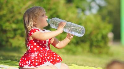 Вода – невід'ємна складова дитячого організму