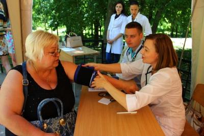 Мешканці Чернівців отримали безкоштовну медичну допомогу