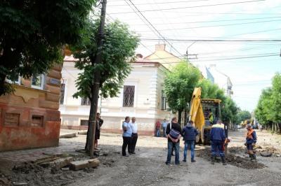Каналізацію на вулиці Хмельницького засмітили зумисно - міськрада