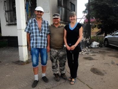 З полону бойовиків звільнили двох волонтерів