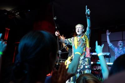 Брати Гадюкіни у Чернівцях під час концерту привітали Іво Бобула з днем народження (ФОТО)