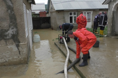 На Буковине дожди подтопили села и размыли дороги