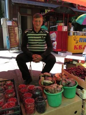 Гриби та чорниці вже з'явилися на ринках у Чернівцях (ФОТО)