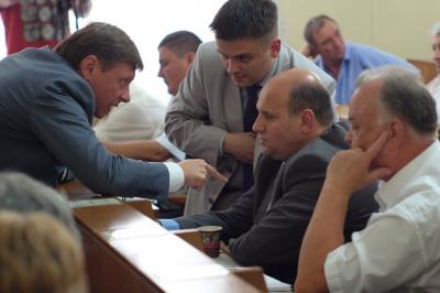 Як буковинські депутати обговорювали новий поділ громад (ФОТО)