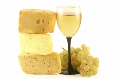 Які властивості сиру