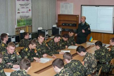 Британці безкоштовно навчатимуть англійської буковинських військових