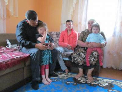 45-річний буковинець сам виховує 11 дітей