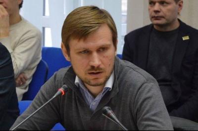 «Автомайдан» назвав шахраєм лідера однойменної партії, яку презентують у Чернівцях