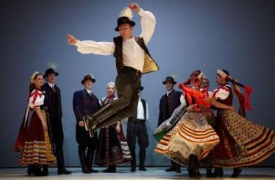 У Чернівцях угорський народний ансамбль збиратиме гроші сім`ям бійців АТО