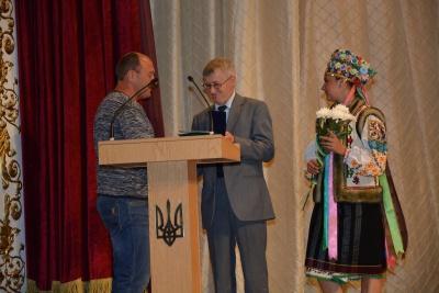 """П'ятьох відомих діячів нагородили медалями """"На славу Чернівців"""""""