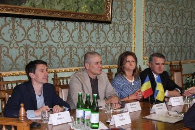 Фищук поговорив з румунським послом про реформи і малий прикордонний рух