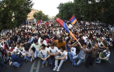 Из-за массовых протестов российская компания идет из Армении