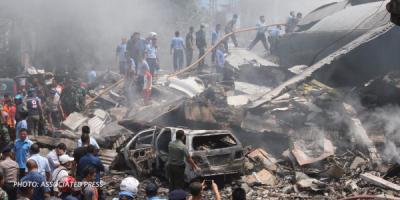 В Індонезії на готель впав військовий літак. 38 осіб загинули