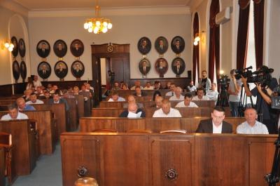 У Чернівцях скоротили 67 чиновників. Прийняли нову структуру міськради