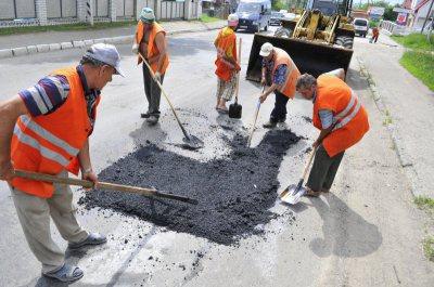 Якість ремонту доріг у Чернівцях контролюватиме депутатська комісія