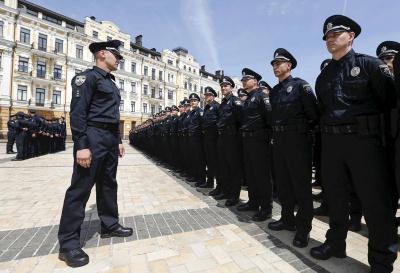 Аваков пообіцяв поліцейських ще в кількох містах. Про Чернівці - ані слова