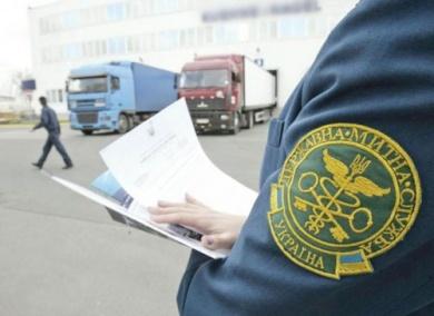 Чернівецькі митники не пустили до Румунії незаконний експорт лісу