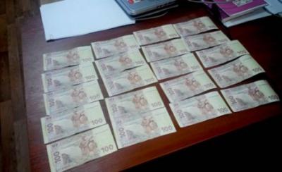 У Маріуполі чиновник торгував перепустками у зону АТО