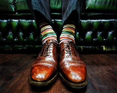 Як розтягнути тісне взуття