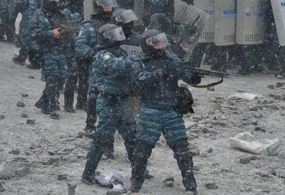 """Україну змушують оплатити """"секретні"""" польоти АН-26 в Росію під час Майдану"""