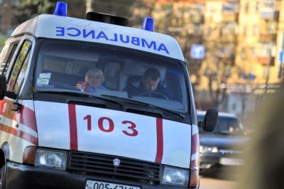Через спеку в Чернівцях почастішали вуличні виклики. Непритомніють посеред міста