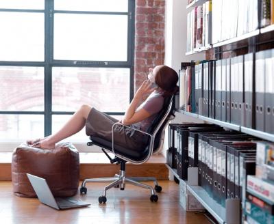 Як пережити літо в офісі