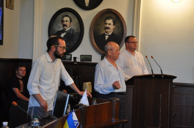 Євреї, які приїхали до Чернівців, розпитували в мера про гроші (ФОТО)