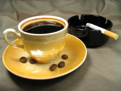 Кава та цигарки можуть закінчитися …інсультом