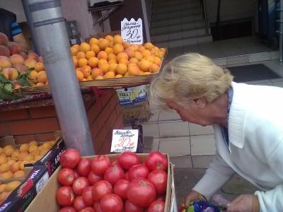 У Чернівцях місцеві абрикоси продають дорожче ніж херсонські