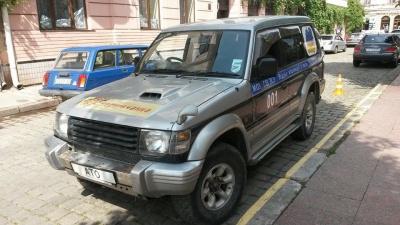 З Чернівців відправлять перший автомобіль для центру визволення полонених в АТО (ФОТО)