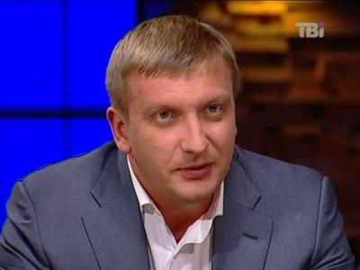 Міністр-буковинець Петренко має зарплату 6 тисяч гривень