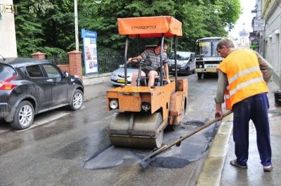 На вулиці Стефюка в Чернівцях почали капітальний ремонт