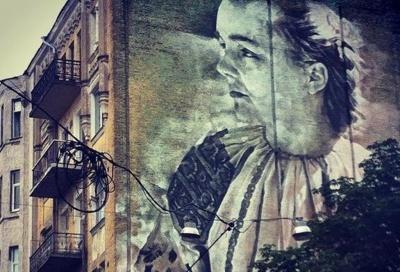 Чернівчанка надихнула австралійця на портрет Лесі Українки на фасаді будинку