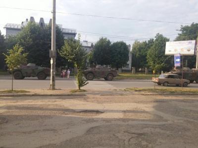 Військкомат просить не панікувати: БРДМ-и на вулицях Чернівців поїхали на навчання