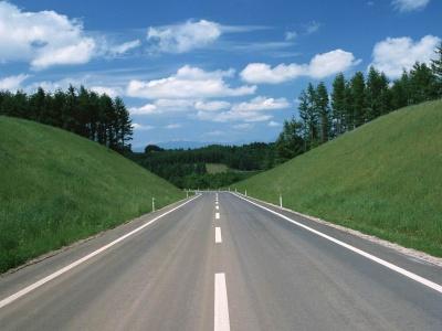 До кінця року збудують 200 км нових доріг, - Яценюк