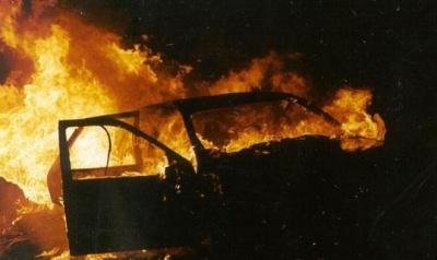 На Прикарпатті спалили два міліцейські авто