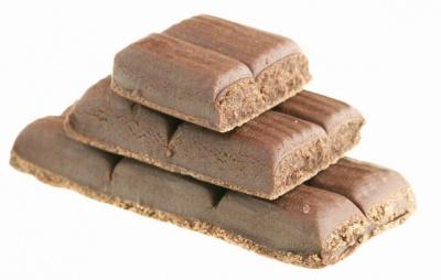 Дорогі шоколадки у Чернівцях любителі солодощів замінюють гематогенними батончиками з аптек