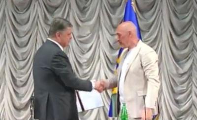 Порошенко призначив керувати Луганщиною волонтера Туку